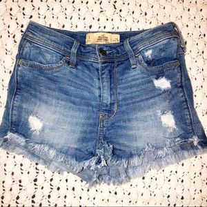 "Hollister Short-Short High Rise 2"" Inseam"